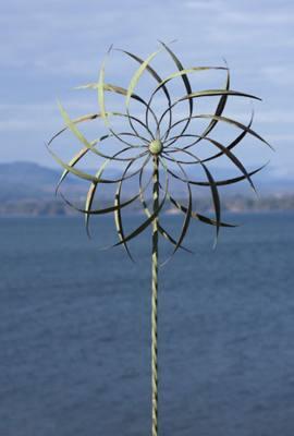 Pinwheel Large Twisted Stake