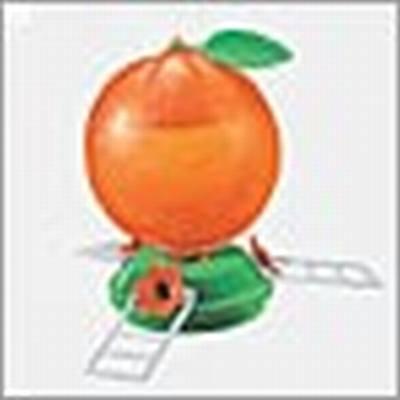Orange Oriole Feeder. 40 oz.