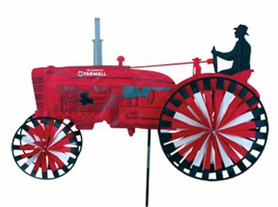 Int'l Harvester Tractor