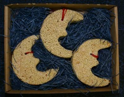 3 pk Ornament Moons