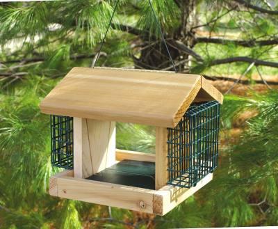 Cedar Plantation Feeder w/2 Suet Baskets